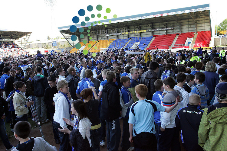 St Johnstone v Morton, McDiarmid Park, Perth - 02/05/2009.Irn-Bru Scottish Football League First Division  2008/09..The St. Johnstone fans invade the pitch as St. Johnstone's claim the first devision.  Picture by John Cockburn/ Universal News & Sport (Scotland)