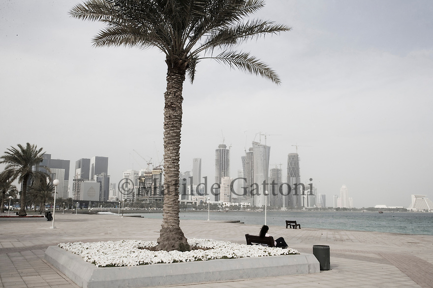 Qatar - Doha - Corniche with view on Financial District
