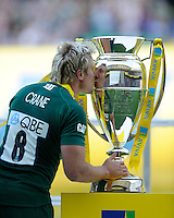 Jordan Crane of Leicester Tigers kisses the trophy after the Aviva Premiership Final between Leicester Tigers and Northampton Saints at Twickenham Stadium on Saturday 25th May 2013 (Photo by Rob Munro)