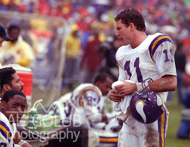 San Francisco 49ers vs  Minnesota Vikings  at Candlestick Park Saturday, January 9, 1988.. Vikings beat 49ers 36-24.Minnesota Vikings Quarterback Wade Wilson (11)..