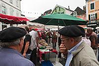 Europe/France/Aquitaine/64/Pyrénées-Atlantiques/Pays-Basque/Tardets-Sorholus: Lors de la traditionnelle foire au fromage Ossau-Iraty