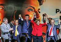 SAO PAULO, SP, 20 FEVEREIRO 2013 -  10 ANOS DO PARTIDO DOS TRABALHADORES GOVERNO FEDERAL NO PODER -  O ex presidente Luiz Inacio Lula da Silva (E) o ex prefeito Gilberto Kassab ( C), a presidente Dilma Rousseff e o presidente do PT Rui Falcao durante a festa do Partido dos Trabalhadores (PT) para celebrar 33 anos do partido e dez anos no comando do Governo Federal, no Holiday Inn Parque Anhembi, na zona norte de São Paulo, nesta quarta-feira, 20. FOTO: WILLIAM VOLCOV / BRAZIL PHOTO PRESS