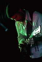 CIUDAD DE MÉXICO, DF. Julio 12, 2013  – Alejandro Otaola toca la guitarra con el grupo de Jazz, Los Dorados,  en el Bar Caradura de la Ciudad de México.  FOTO: ALEJANDRO MELÉNDEZ<br /> <br /> MEXICO CITY, DF. July 12, 2013 - Alejandro Otaola plays guitar with the jazz band, Los Dorados, at Bar Caradura Mexico City. PHOTO: ALEJANDRO MELENDEZ