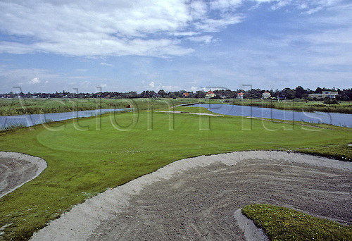 View of the 11th Green at Falsterbo Golf Club, Fyvagen, Sweden. Photo: Brian Morgan/actionplus.. .course courses general view views scene scenery spectacular clubs landscape venue Swedish 076 eleventh