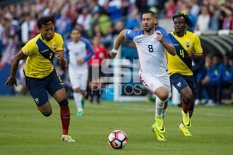 Seattle, WA - Thursday, June 16, 2016: United States forward Clint Dempsey (8) drives down the field during the Quarterfinal of the 2016 Copa America Centenrio at CenturyLink Field.