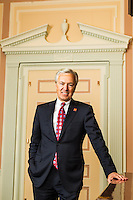 Wells Fargo Bank CEO John Stumpf pictures: executive portrait photography of John Stumpf at Wells Fargo Bank San Francisco, by San Francisco corporate photographer Eric Millette