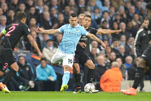 12.04.2016. manchester, England. UEFA Champions league, quarterfinals, second leg. Manchester City versus Paris St Germain.  MARQUINHOS (psg)  challenges SERGIO AGUERO (man)