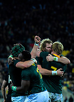 The Springboks celebrate winning the Rugby Championship match between the New Zealand All Blacks and South Africa Springboks at Westpac Stadium in Wellington, New Zealand on Saturday, 15 September 2018. Photo: Dave Lintott / lintottphoto.co.nz