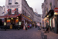 AJ0785, Paris, France, Europe, Montmartre, People walking on the narrow cobblestone streets in the [evening, night] at the Place du Tertre in Montmartre.
