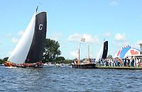ZEILSPORT: GROU: 05-08-2017, SKS Skûtsjesilen, Skûtsje van Grou wint op eigen water, schipper Douwe Azn Visser, ©foto Martin de Jong