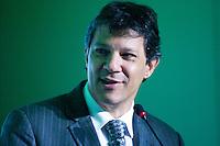 SÃO PAULO, SP, 06.05.2015 - SEMINÁRIO-BRASILEIROS - O prefeito de São Paulo Fernando Haddad participa junto com economistas da palestra sobre o rumos da economia brasileira no ano de 2015 no Hotel Renaissence, região dos Jardins, nesta quarta-feira, 06. (Foto: Gabriel Soares/Brazil Photo Press)