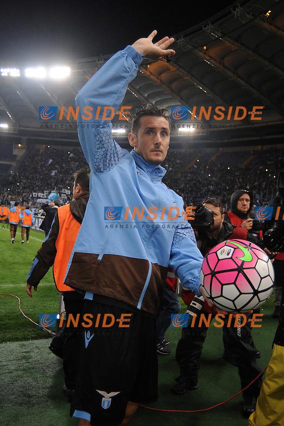 Miroslav Klose saluta la Lazio.<br /> Roma 15-05-2016  Stadio Olimpico<br /> Campionato Serie A,<br /> Lazio - Fiorentina<br /> Foto Antonietta Baldassarre / Insidefoto
