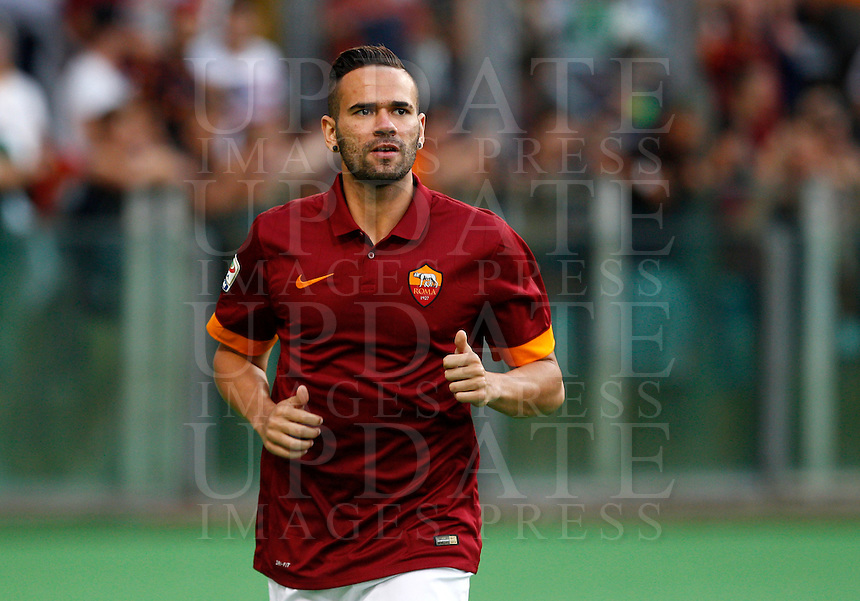 Calcio, amichevole Roma vs Fenerbahce. Roma, stadio Olimpico, 19 agosto 2014.<br /> Roma defender Leandro Castan, of Brazil, arrives for the team's presentation, prior to the friendly match between AS Roma and Fenerbahce at Rome's Olympic stadium, 19 August 2014.<br /> UPDATE IMAGES PRESS/Riccardo De Luca