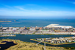 Nederland, Noord-Holland, Amsterdam, 20-04-2015; Overzicht IJburg, Haveneiland, gezien vanaf het Diemerpark (voormalige vuilstortplaats Diemerzeedijk). Voorgrond rechts Rietland-Oost. IJmeer en Buiten-IJ in de achtergrond, gezien naar Waterland.<br /> IJburg, the new urban development district of Amsterdam<br /> luchtfoto (toeslag op standard tarieven);<br /> aerial photo (additional fee required);<br /> copyright foto/photo Siebe Swart