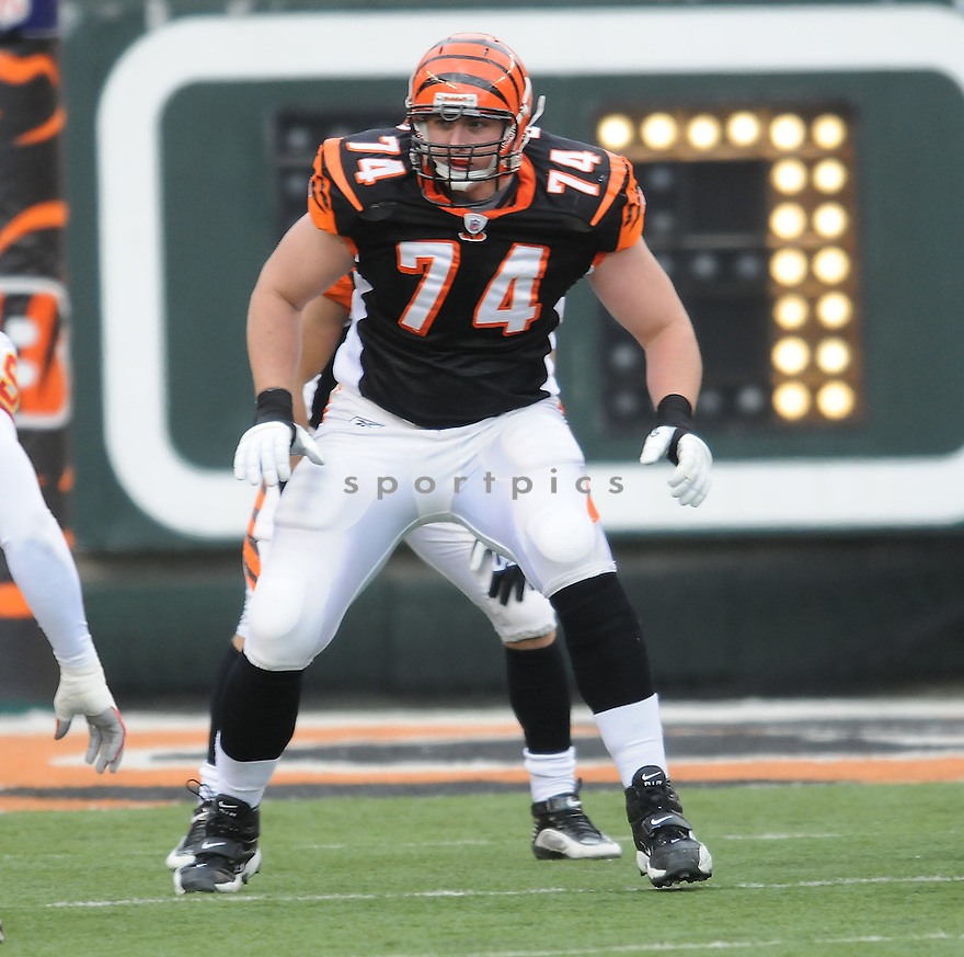 DENNIS ROLAND, of the Cincinnati Bengals, in action during the Bengals game against the Kansas City Chiefs on December 27, 2009 in Cincinnati, OH. Bengals won 17-10.