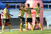 BARRANQUILLA - COLOMBIA -09-02-2014: Los jugadores del Itagui celebran el gol anotado durante partido de la cuarta fecha de la Liga Postobon I 2014, jugado en el estadio Metropolitano Roberto Melendez de la ciudad de Barranquilla. / The players of Itagui celebrate a goal scored during a match for the fouth date of the Liga Postobon I 2014 at the Metropolitano Roberto Melendez stadium in Barranquilla city. Photo: VizzorImage  / Alfonso Cervantes / Str.