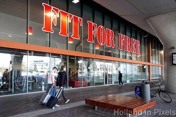 Nederland Amsterdam-  September 2018.  Fit For Free sportschool bij station Amsterdam Bijlmer.   Foto Berlinda van Dam / Hollandse Hoogte