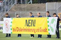 Aktion gegen Diskriminierung - SV Darmstadt 98 vs. FSV Frankfurt, Stadion am Boellenfalltor