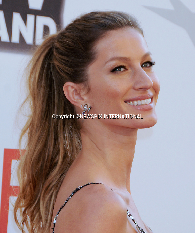 "GISELE BUNDCHEN.attends TV Land Presents: The AFI Life Achievement Awards Honoring Morgan Freeman at Sony Pictures Studios, Culver City, California_9 June 2011.Mandatory Photo Credit: ©Crosby/Newspix International. .**ALL FEES PAYABLE TO: ""NEWSPIX INTERNATIONAL""**..PHOTO CREDIT MANDATORY!!: NEWSPIX INTERNATIONAL(Failure to credit will incur a surcharge of 100% of reproduction fees)..IMMEDIATE CONFIRMATION OF USAGE REQUIRED:.Newspix International, 31 Chinnery Hill, Bishop's Stortford, ENGLAND CM23 3PS.Tel:+441279 324672  ; Fax: +441279656877.Mobile:  0777568 1153.e-mail: info@newspixinternational.co.uk"