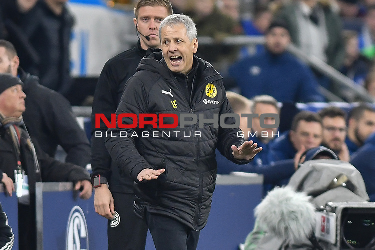 08.12.2018, Veltins-Arena, Gelsenkirchen, GER, 1. FBL, FC Schalke 04 vs. Borussia Dortmund, DFL regulations prohibit any use of photographs as image sequences and/or quasi-video<br /> <br /> im Bild Lucien Favre (Borussia Dortmund) Gestik / Geste / gestikuliert / <br /> <br /> Foto © nordphoto/Mauelshagen