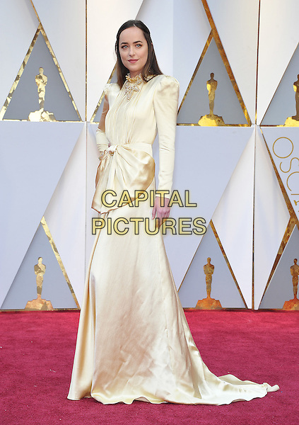 HOLLYWOOD - FEBRUARY 26: Dakota Johnson attends the 89th Annual Academy Awards at the Dolby Theatre on February 26, 2017 in Hollywood, California. <br /> CAP/MPI99<br /> &copy;MPI99/Capital Pictures