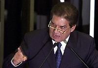 BRASILIA, 18/09/2001 - SEN. JADER BARBALHO FAZ DISCURSSO DE RENUNCIA DURANTE SESSAO DO SENADO FEDERAL. (FOTO/ERALDO PERES/PHOTO AGENCIA)