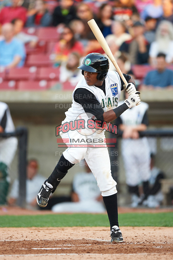 Kane County Cougars third baseman Daniel Mateo #3 during a Midwest League game against the Clinton LumberKings at Coveleski Stadium on August 16, 2012 in South Bend, Indiana.  Kane County defeated Clinton 5-3.  (Mike Janes/Four Seam Images)