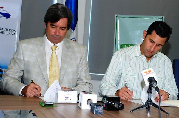 Teddy Heinsen y Roberto Herrera, de ANRD y RENAEPA. fuente externa
