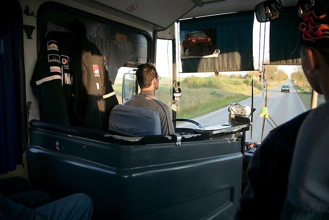 Vojvodina, Serbien, 23.04.2007: Ein Busfahrer in seiner Fahrerkabine.<br /> Vojvodina, Serbia, 23.04.2007: A bus driver in his cabin.<br /><br />[ CREDIT: www.throughmyeyes.de - Merlin Nadj-Torma - phone +49-177-8279119 - merlin@throughmyeyes.de ]