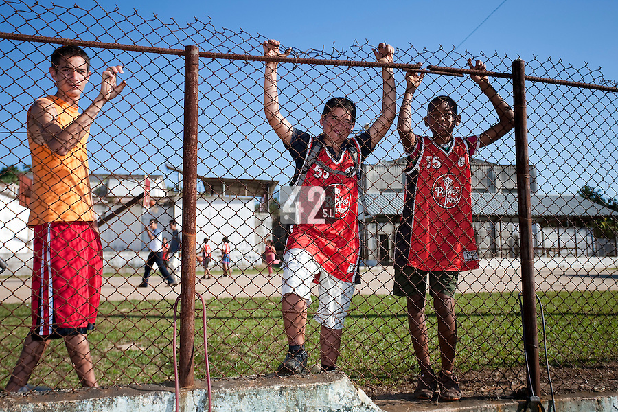 BASEBALL - POLES BASEBALL FRANCE - TRAINING CAMP CUBA - HAVANA (CUBA) - 13 TO 23/02/2009 - CUBAN FANS