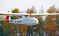 Baby bei der Landung: EUROPA, DEUTSCHLAND, HAMBURG, (GERMANY), 24.04.2010: Baby bei der Landung