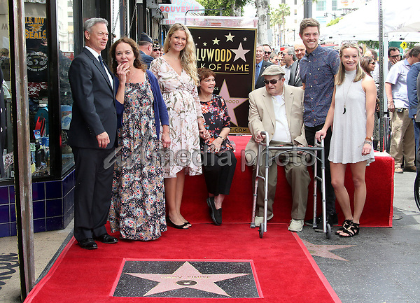 gary sinise honored with star on the hollywood walk of