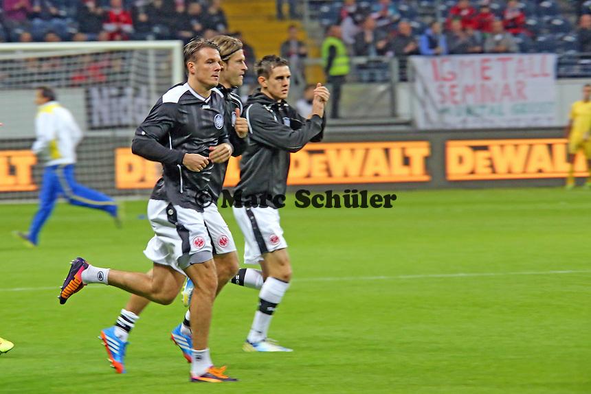 Spieler von Eintracht Frankfurt kommen aufs Feld - Eintracht Frankfurt vs. Macabi Tel Aviv, Europa League 3. Spieltag