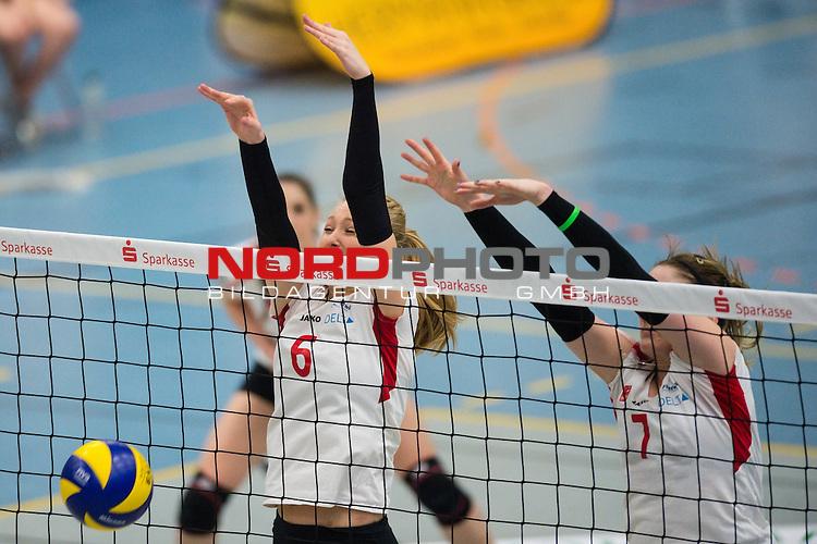 21.02.2015, Halle Berg Fidel, Muenster<br /> Volleyball, Bundesliga Frauen, USC M&uuml;Ÿnster / Muenster vs. Rote Raben Vilsbiburg<br /> <br /> Block / Doppelblock Celin Stšhr / Stoehr (#6 Vilsbiburg), Kyla Elizabeth Richey (#7 Vilsbiburg)<br /> <br />   Foto &copy; nordphoto / Kurth