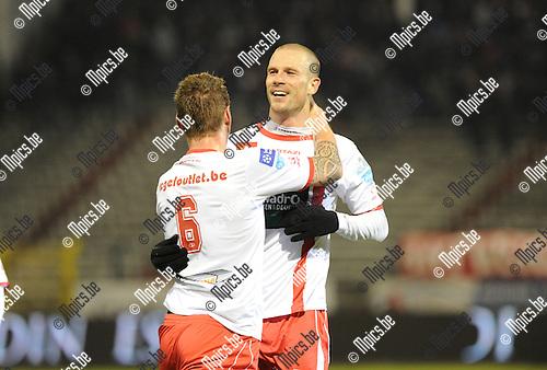 2013-03-09 / Voetbal / seizoen 2012-2013 / R. Antwerp FC - Sint-Niklaas / Dieter Van Tornhout scoorde de 2-0 en viert met Vandenbroeck (6)..Foto: Mpics.be