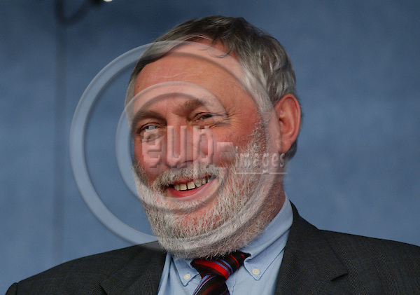 Brussels-Belgium - March 18, 2004---Franz FISCHLER, EU-Commissioner in charge of Agriculture and Fisheries, during a press briefing in the press room at the 'Breydel', the main seat of the European Commission in Brussels---Photo: Horst Wagner/eup-images