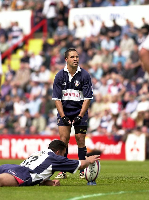 Photo: Greig Cowie..Zurich Premiership. Bristol Shoguns v Bath. Ashton Gate 04/05/2003.Felipe Contepomi.