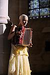 ETUDE POUR LA SAINTETE<br /> Chorégraphie et interprétation : Erika DI CRESCENZO<br /> Organiste : Marco Cortinovis<br /> Voix : Anne Rodier <br /> Compagnie : La Bagarre<br /> Lieu: Fondation Royaumont<br /> Ville : Asnières sur Oise<br /> le 09/10/2011<br /> © Laurent Paillier / photosdedanse.com<br /> All rights reserved