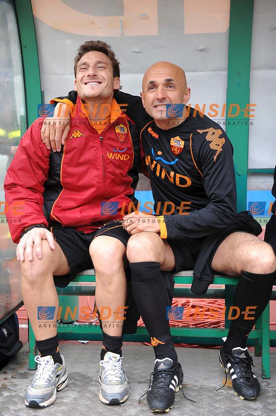 Francesco Totti scherza con Luciano Spalletti<br /> Roma 29/3/2009 Stadio &quot;Olimpico&quot; <br /> Inizativa &quot;Insieme alla Roma per donare la vita&quot; - raccolta di sangue e amichevole Roma Vecchie glorie<br /> Foto Andrea Staccioli Insidefoto