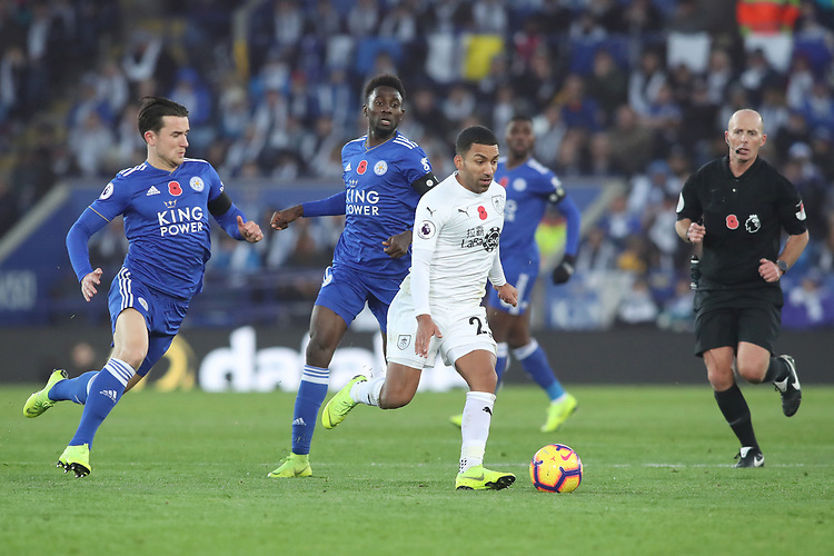 Burnley's Aaron Lennon and Leicester City's Wilfred Ndidi<br /> <br /> Photographer Rachel Holborn/CameraSport<br /> <br /> The Premier League - Saturday 10th November 2018 - Leicester City v Burnley - King Power Stadium - Leicester<br /> <br /> World Copyright © 2018 CameraSport. All rights reserved. 43 Linden Ave. Countesthorpe. Leicester. England. LE8 5PG - Tel: +44 (0) 116 277 4147 - admin@camerasport.com - www.camerasport.com