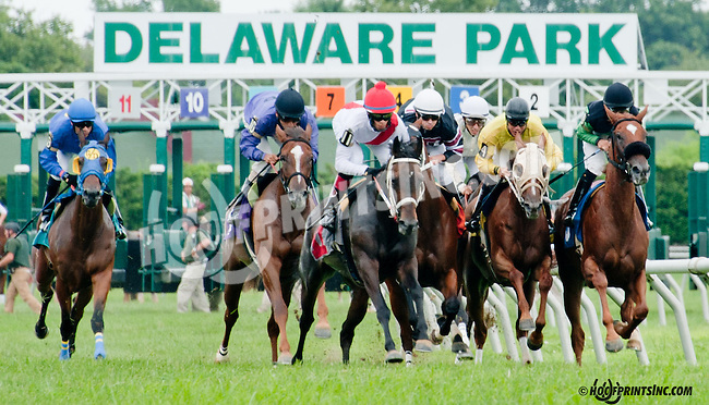 Daddy's Moment winning at Delaware Park on 7/25/13