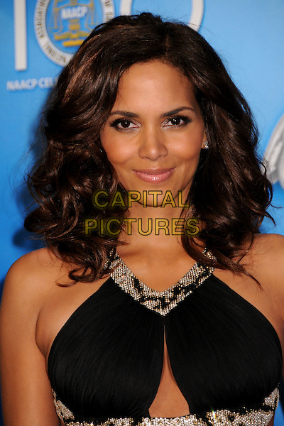 HALLE BERRY.40th Annual NAACP Image Awards - Press Room at the Shrine Auditorium, Los Angeles, California, USA..February 12th, 2009.headshot portrait black silver beads beaded cut out away.CAP/ADM/BP.©Byron Purvis/AdMedia/Capital Pictures.