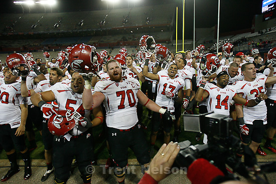 Trent Nelson  |  The Salt Lake Tribune.players sing Utah Man after win. Utah faces Arizona, college football at Arizona Stadium in Tucson, Arizona, Saturday, November 5, 2011.