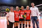 25.08.2018, …VB Arena, Bremen<br />Volleyball, LŠnderspiel / Laenderspiel, Deutschland vs. Niederlande<br /><br />Nicole Fetting (Geschaeftsfuerhrerin Deutscher Volleyball Verband DVV) und Christian DŸnnes / Duennes (Sportdirektor DVV) ehren Denise Hanke (#3 GER) fuer 200. Laenderspiel, Maren Fromm (#4 GER) 300. Laenderspiel, Louisa Lippmann (#11 GER) fuer 100. Laenderspiel <br /><br />  Foto &copy; nordphoto / Kurth