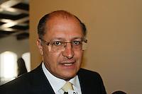ATEN&Ccedil;&Atilde;O EDITOR: FOTO EMBARGADA PARA VE&Iacute;CULOS INTERNACIONAIS. SAO PAULO, 05 DE SETEMBRO DE 2012. SEMINARIO COOPERACAO SAO PAULO PORTUGAL. O governador Geraldo Alckmin concede entrevista coletiva apos o  Semin&aacute;rio de Coopera&ccedil;&atilde;o S&atilde;o Paulo - Portugal em Infraestrutura Urbana que aconteceu na tarde desta quarta feira no Palacio dos Bandeirantes na zona sul de S&atilde;o Paulo.<br /> FOTO ADRIANA SPACA / BRAZIL PHOTO PRESS