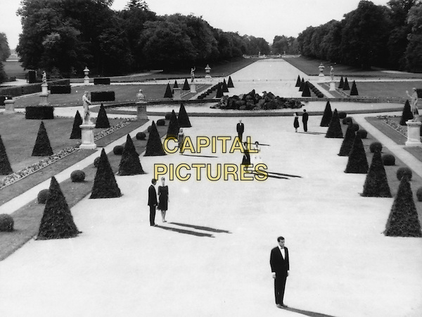 SCENE<br /> in Last Year at Marienbad (1961) <br /> (L'annee derniere a Marienbad)<br /> *Filmstill - Editorial Use Only*<br /> CAP/FB<br /> Image supplied by Capital Pictures