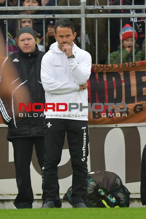 28.01.2018,  Millerntor-Stadion, Hamburg, GER, 2. FBL, 1.FC St.Pauli vs SV Darmstadt 98 im Bild Trainer Dirk Schuster (Darmstadt) Foto © nordphoto / Witke *** Local Caption ***