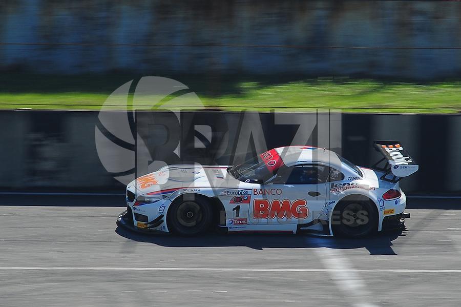 RIO DE JANEIRO, RJ, 21 DE JULHO 2012 - CAMPEONATO BRASILEIRO DE GRAN TURISMO - 4ª ETAPA - RIO DE JANEIRO - O piloto Valdeno Brito, durante o treino classificatório para a 1ª bateria da 4ªetapa do Campeonato Brasileiro de Gran Turismo, disputado no Autodromo Internacional Nelson Piquet, Jacarepagua, Rio de Janeiro, neste sábado, 21. FOTO BRUNO TURANO  BRAZIL PHOTO PRESS