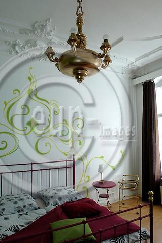 BERLIN - GERMANY 17. 10. 2006 -- In the President's suite in Rock n' Roll Herberge in Berlin.  -- PHOTO: GORM K. GAARE / EUP- IMAGES ...