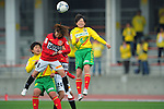 (L to R) Akiko Niwata (Urawa Reds Ladies), Kokoro Koike (JEF United Ladies), .APRIL 21, 2012 - Football/Soccer : 2012 Plenus Nadeshiko League,2nd sec match between JEF United Ichihara Chiba Ladies 0-0 Urawa Reds Diamonds Ladies at Ichihara Rinkai Stadium , Chiba, Japan. (Photo by Jun Tsukida/AFLO SPORT) [0003]